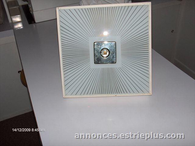 À vendre à lévis : #274 1 lampe plafonnier pour chambre boudoir ou